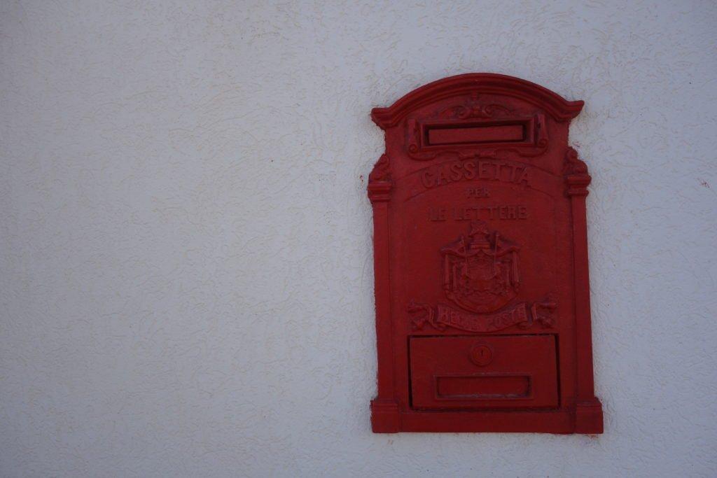 Eingangskorb
